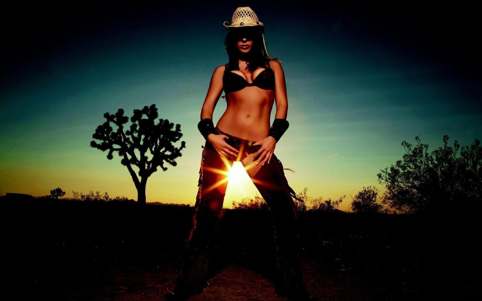Фото девушек в ковбойской шляпе 23 фотография